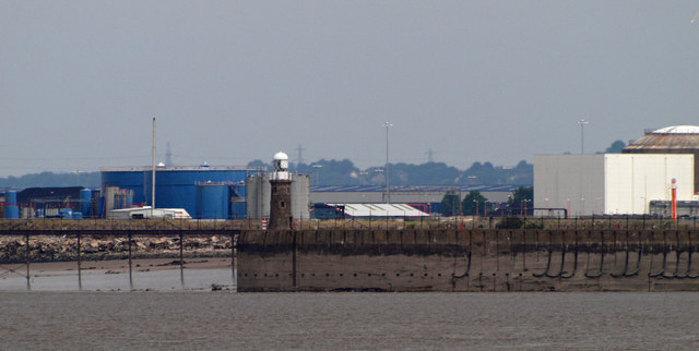 Avonmouth docks and lighthouse #2 (Northern) with fuel depot behind