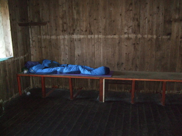 Sleeping platform in the Bearnais bothy