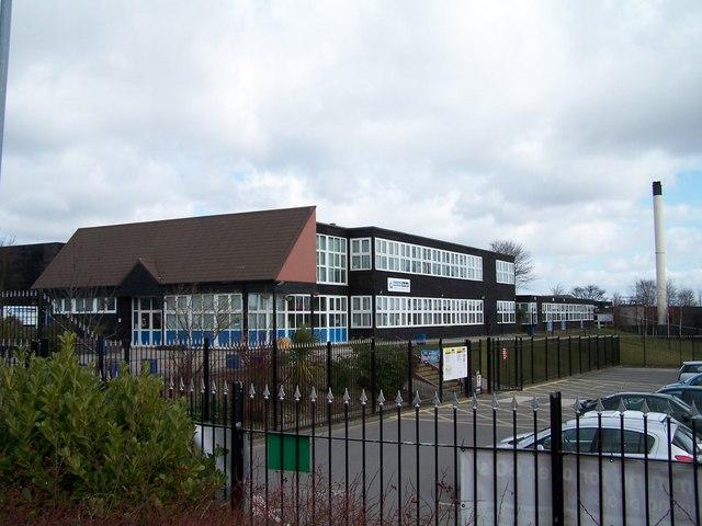 Kirk Balk School, Hoyland - 1 © Terry Robinson :: Geograph ...