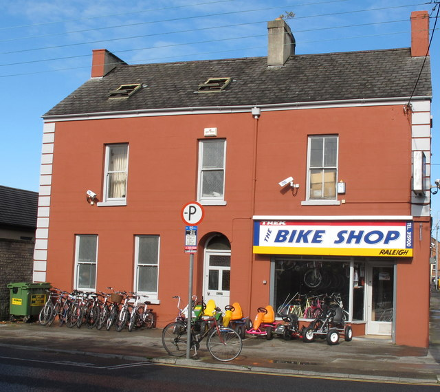 bike shop o 39 connell avenue limerick david hawgood cc by sa 2 0 geograph ireland. Black Bedroom Furniture Sets. Home Design Ideas