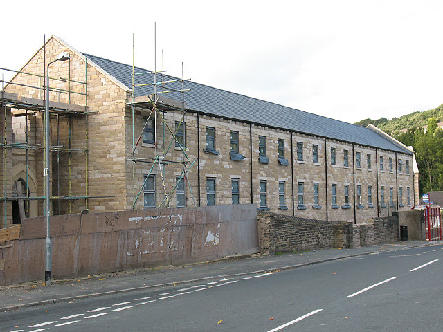 The School Yard, Siddal (housing)