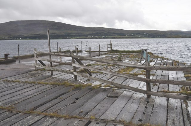 Section of the dangerous and derelict pier at Suisnish