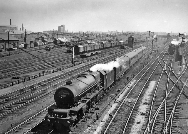 Edge Hill Yards Liverpool With Express 169 Ben