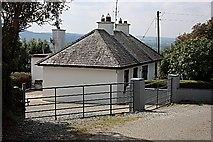 S6538 : White Cottage by kevin higgins