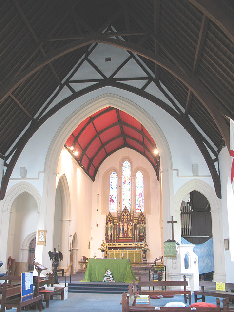 Holy Trinity church, Barnes: interior