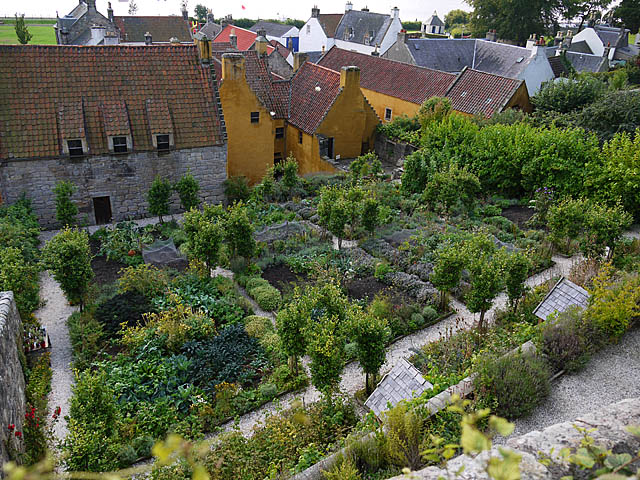 Culross, The Palace Garden