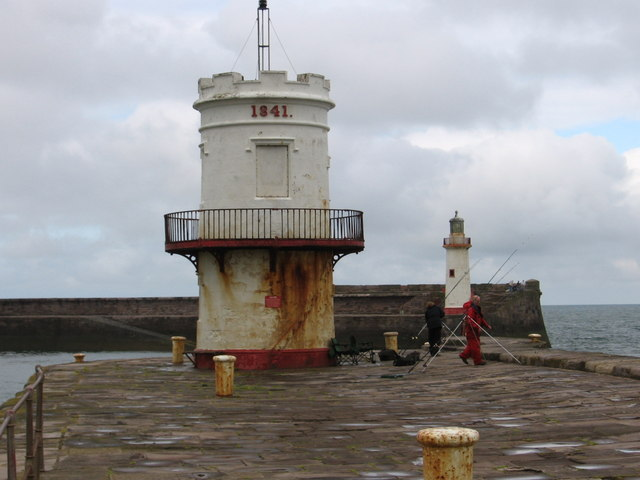 Whitehaven - lighthouses at entry to outer harbour