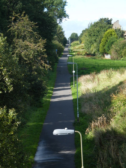 View of the Silverknowes cycle path from Telford road.