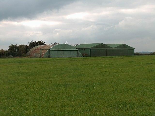 Aircraft storage facilities at Apperknowle airstrip