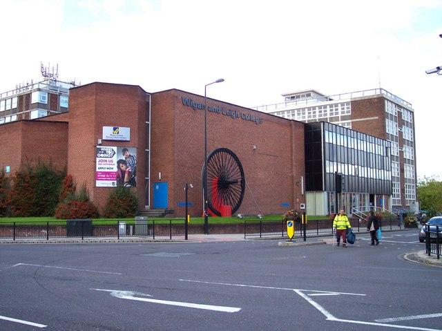 Wigan And Leigh College On Parson S Walk 169 Raymond Knapman