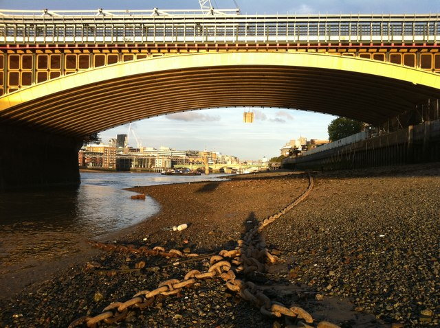 The riverbed of the Thames