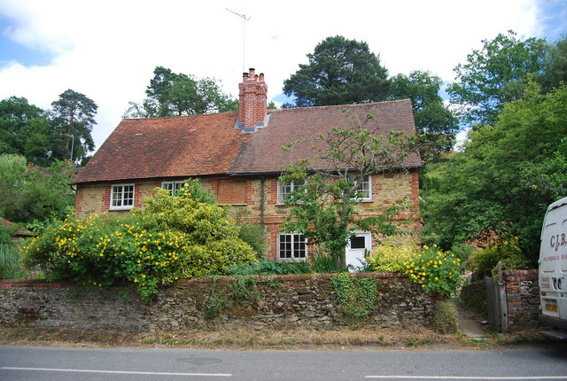 Peaslake United Kingdom  city photo : tq0844 western cottages peaslake near to peaslake surrey great britain
