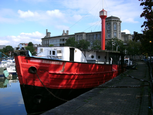 Lightship at Bathurst Basin