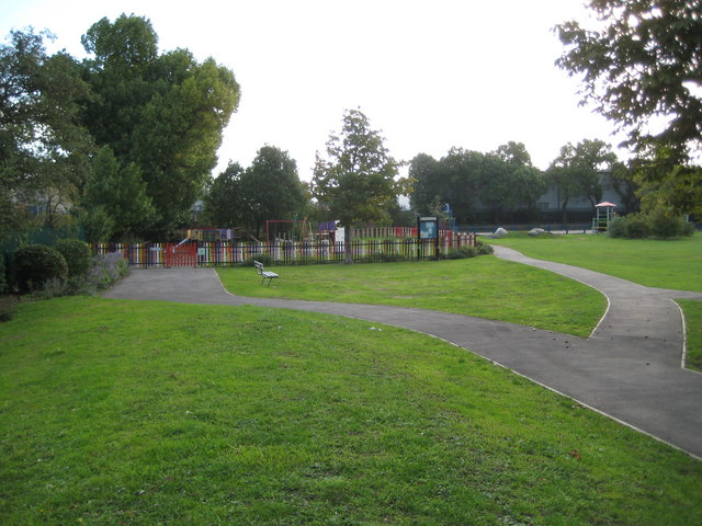 North Acton: Wesley Playing Fields