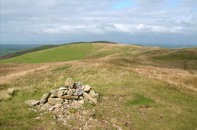 The summit cairn of Low Fell
