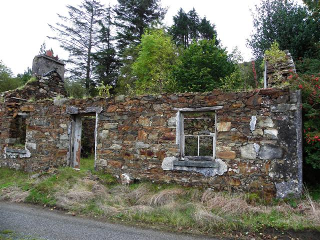 Ruined cottage, Clengort