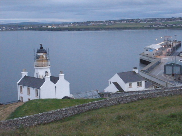 Scrabster lighthouse and jetty