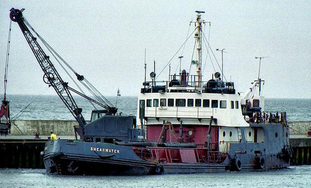 Dredging Girvan harbour