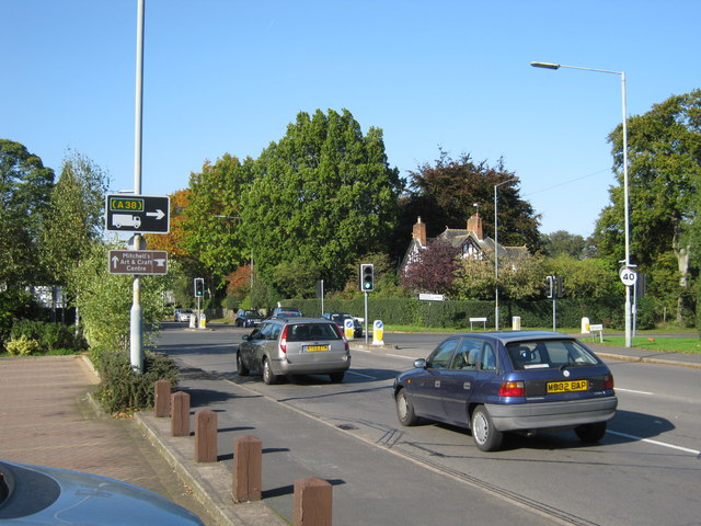 Crossroads, Tamworth Road / Whitehouse Common Road