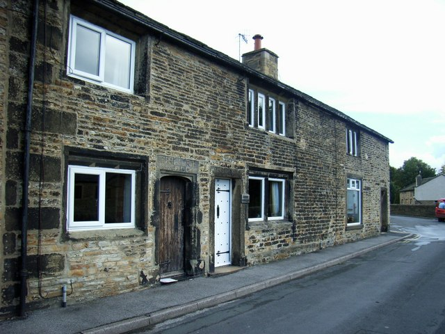 Cottages and Shop,late c17, Newby Road, Farnhill