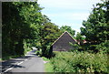 TQ4749 : Weatherboarded barn by Green Lane, Little Chittenden by N Chadwick