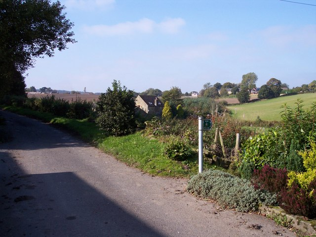 Public footpath sign at Walthew Green