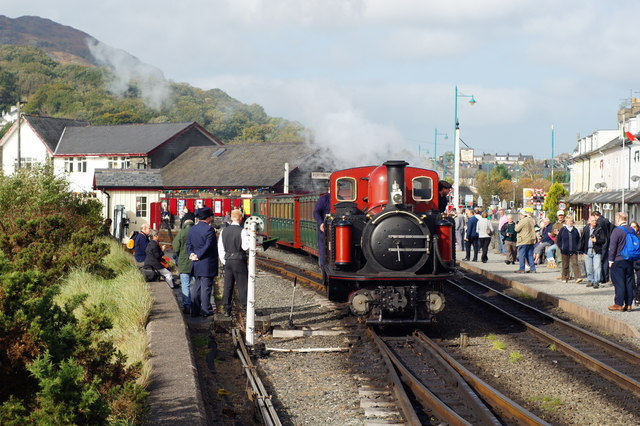 David Lloyd George Shunts at Porthmadog Harbour Station