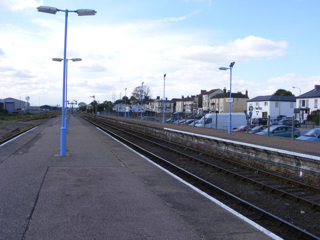 Lowestoft station, platforms 2, 3 and 4