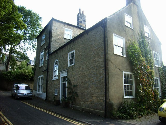 Hunters Lodge, Vicarage Lane