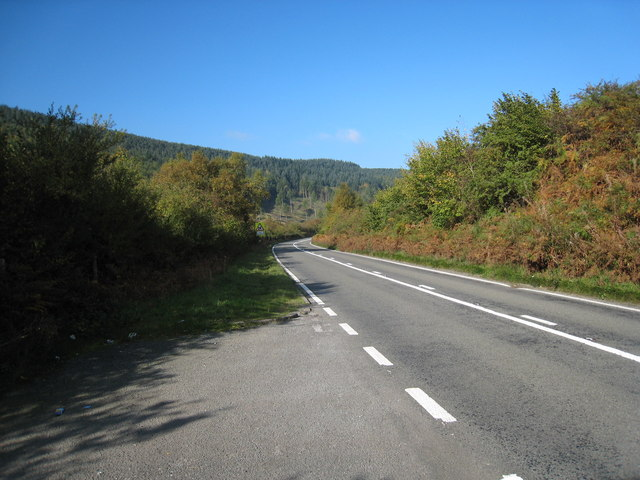 Snake Road approaching Great Wood