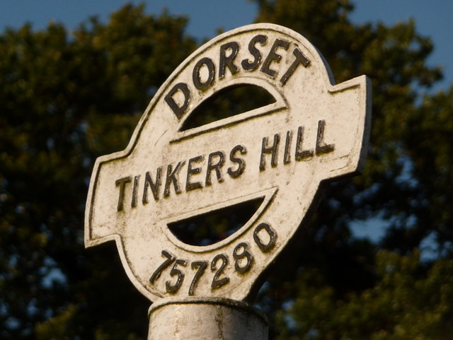 Bourton: detail of Tinkers Hill signpost