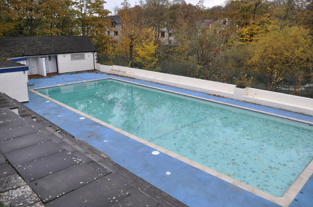 ingleton outdoor swimming pool ashley dace cc by sa 2 0 geograph britain and ireland