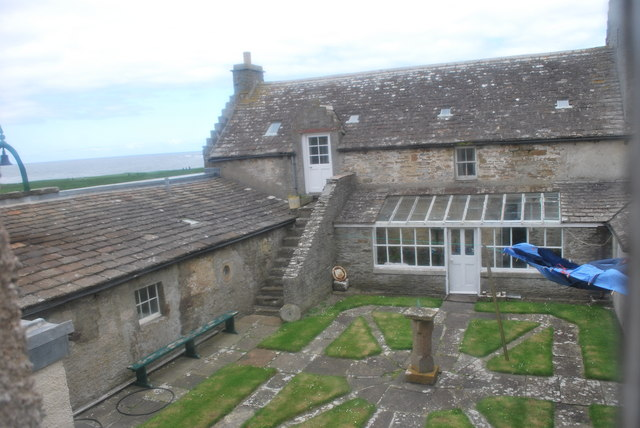 A windy day in a pub garden - 2 5