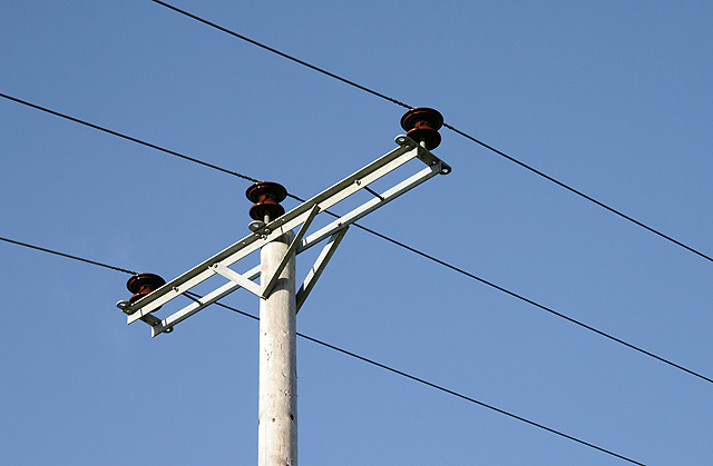 Types Of Electrical Poles : Electrical engineering insulators in