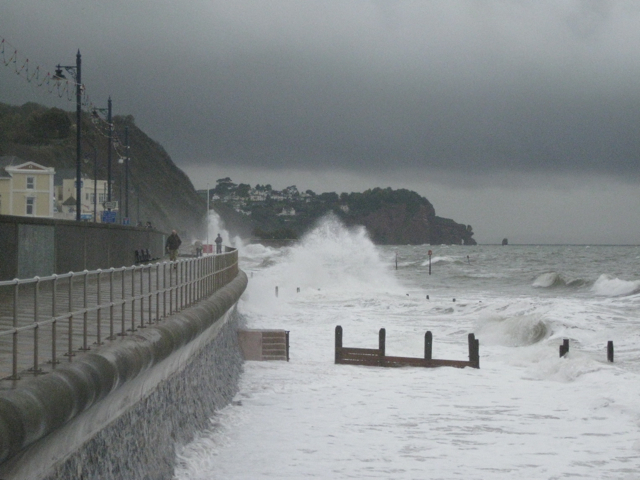 Teignmouth seafront, wet'n'windy: 2