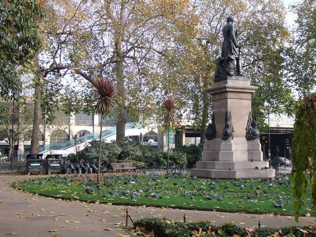Pigeons in Victoria Embankment Gardens