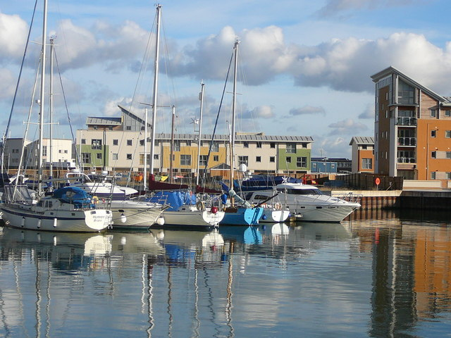 Portishead Marina on a fine November... © Colin Park cc-by ...