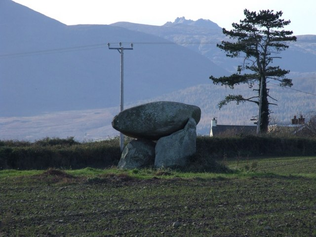 Slidderyford (Wateresk) Dolmen with the Torrs of Slieve Bearnagh on the skyline