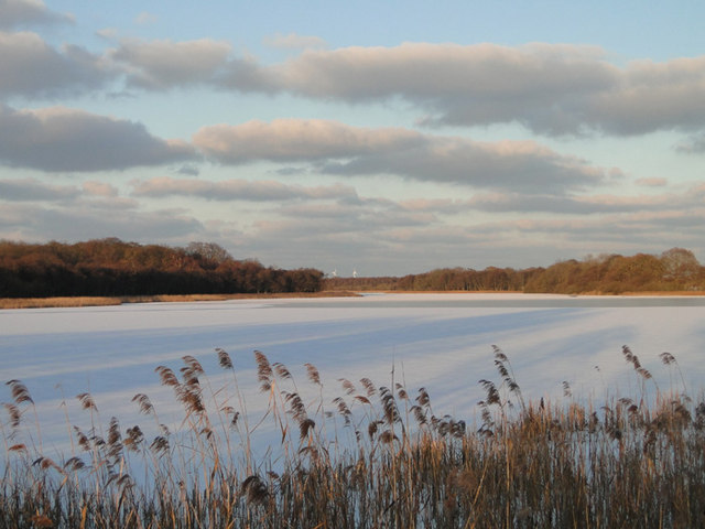 Ormesby Broad frozen over