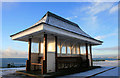 SZ1391 : Shelter on Southbourne Cliff : Week 51