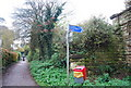TQ4736 : National Cycleroute 21 signpost by N Chadwick