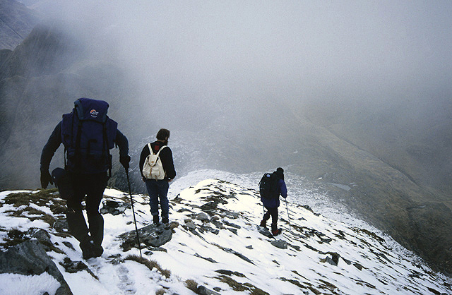 Descending the southeast ridge of Ladhar Bheinn