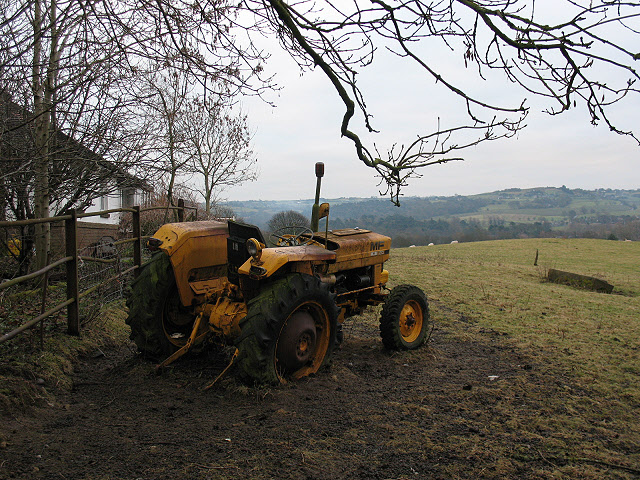 Tractors graveyard (1)