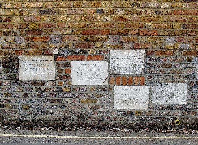 Flood marker stones, Isleworth riverside