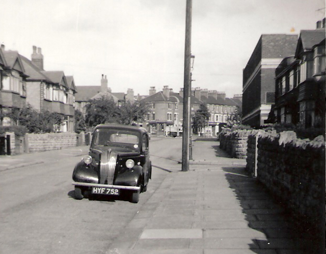Newquay Avenue and HYF 752, 1958