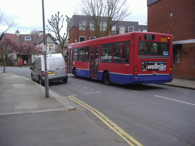 C11 bus on Brookfield Park