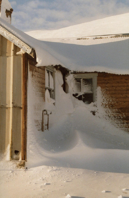 Snowdrift around Culra Bothy, 1991