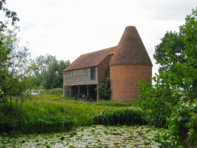 Oast house at place farm water lane oast house for The headcorn minimalist house kent