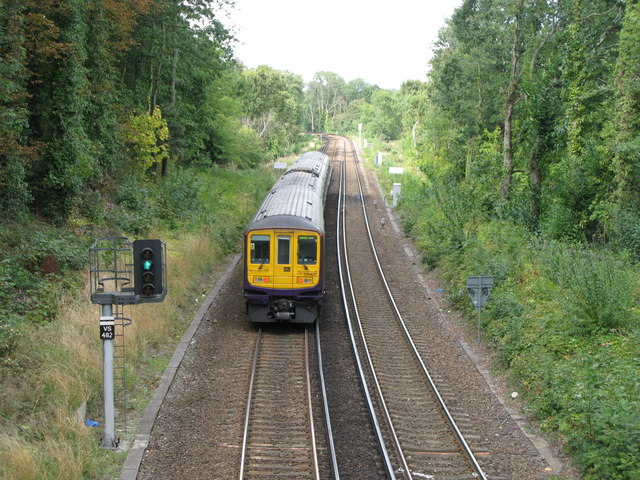 Railway lines north of Ravensbourne station