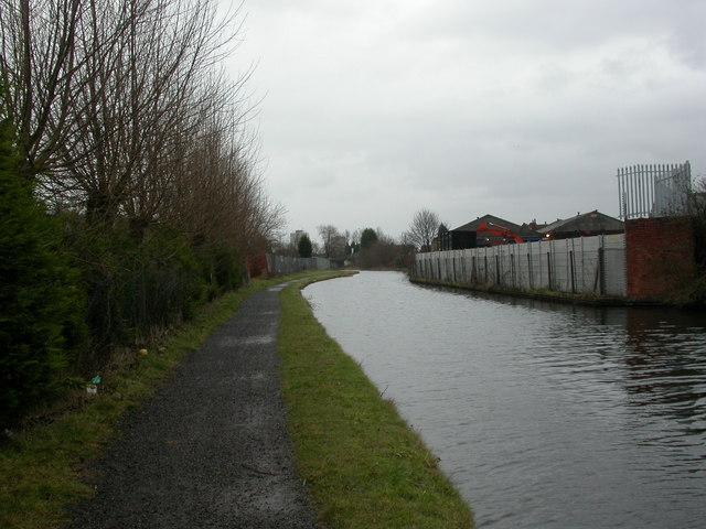 Heathtown, canal